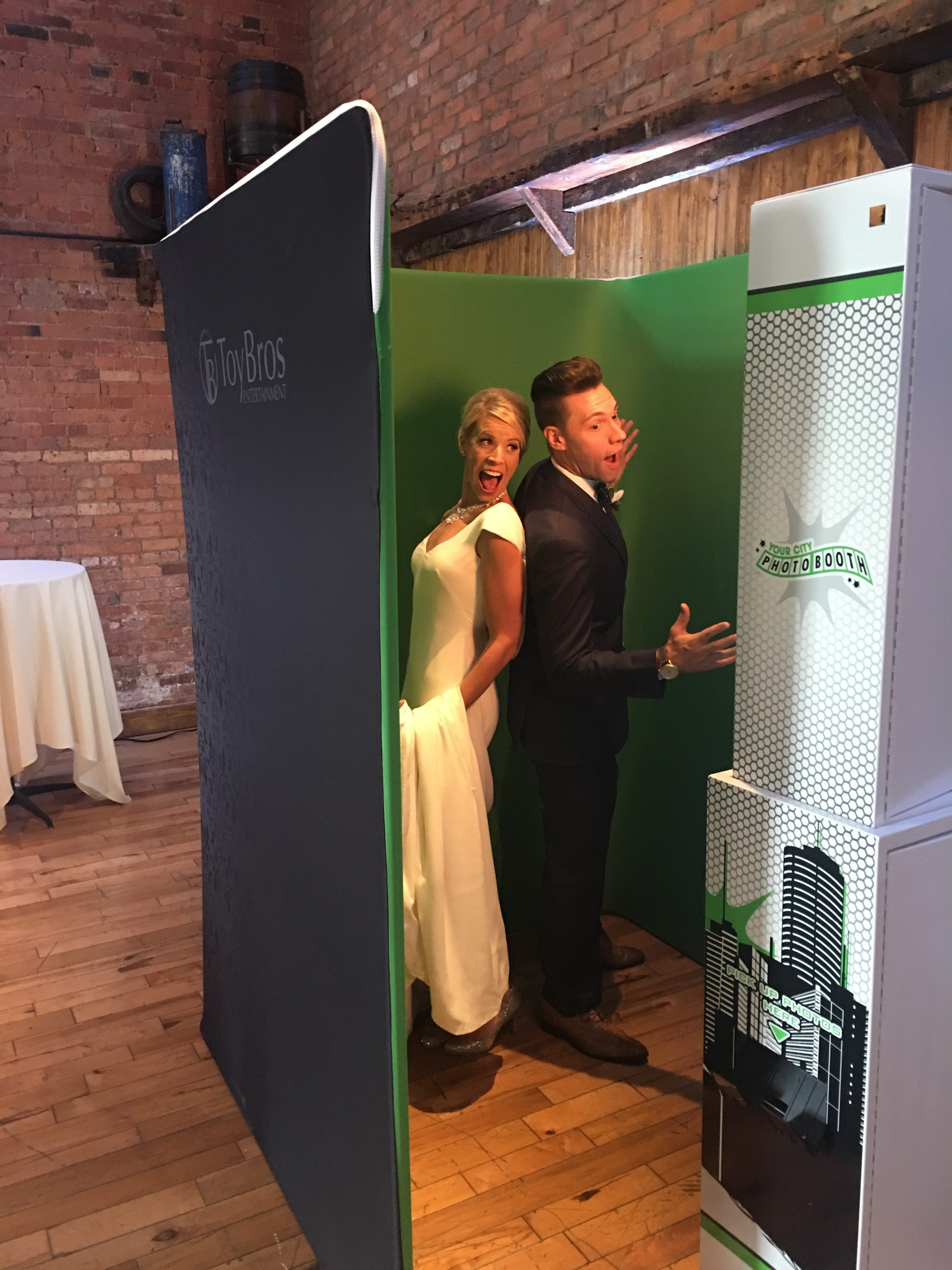 U-Shaped Custom Enclosure - Custom Built Photo Booths for Sale by ...